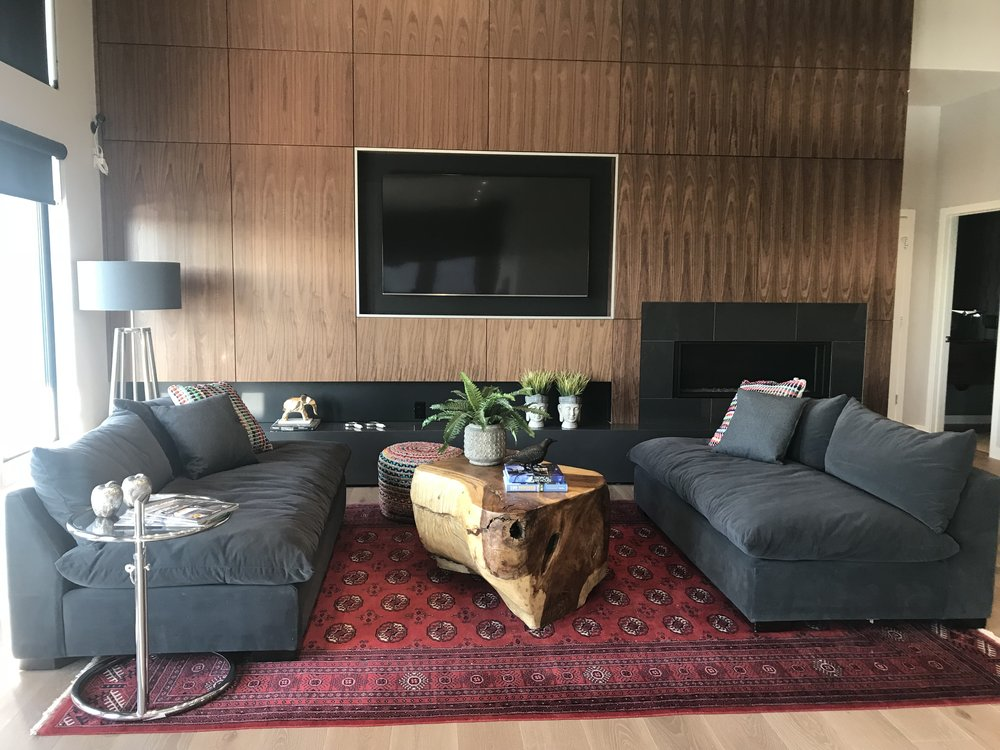 huntington homes show home furniture. blue moon furniture. majestic coffee table.JPG