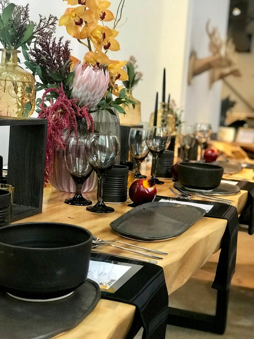 thanksgiving tablescape. blue moon furniture.jpg