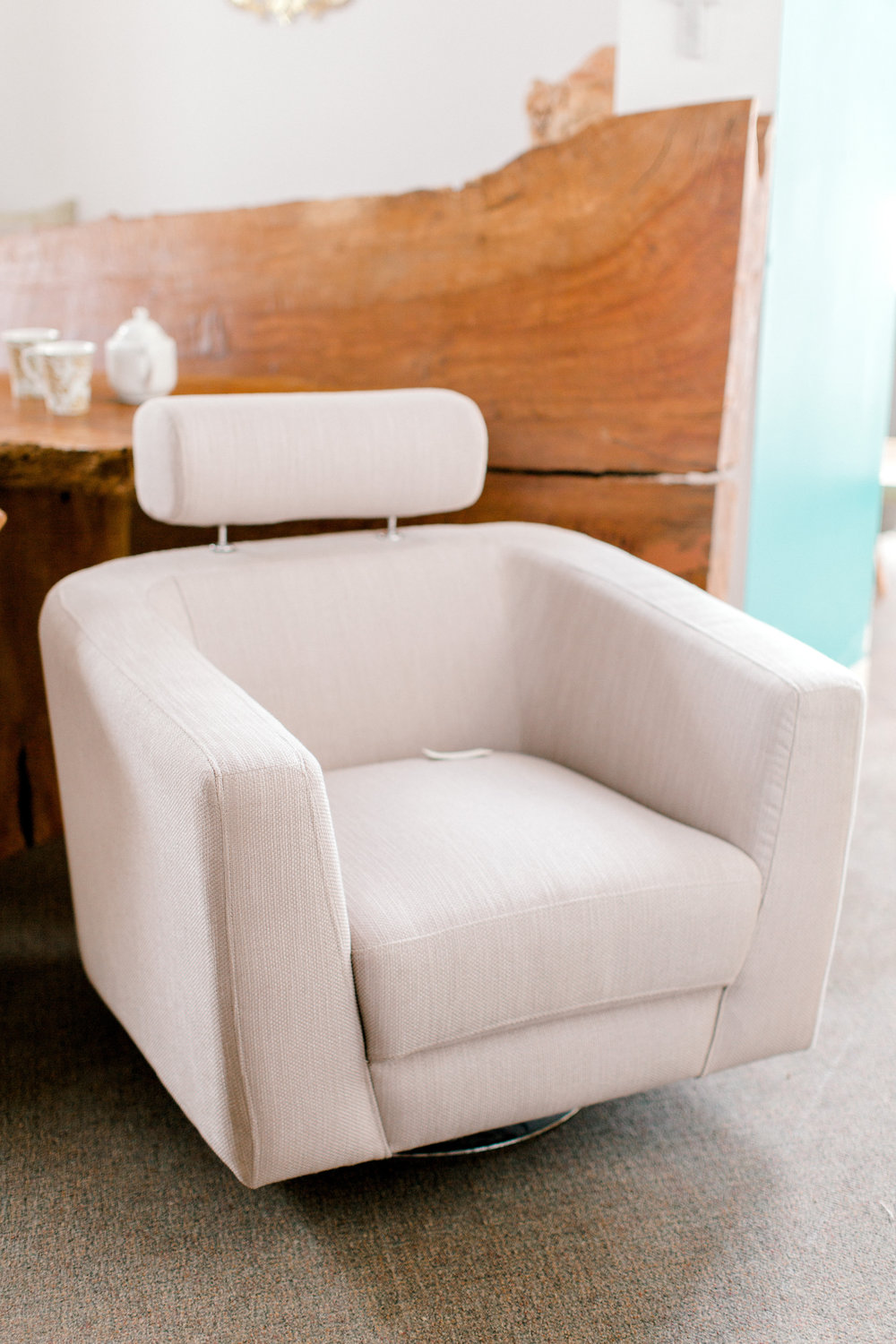 Sean Chair. Swivel chair with adjustable back rest. Blue Moon Furniture.