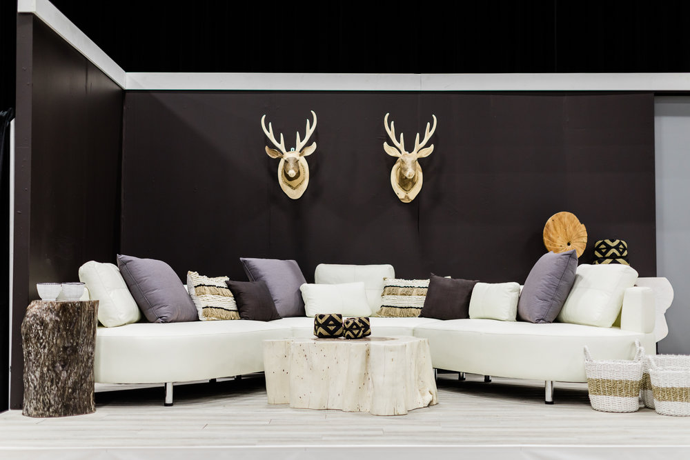 blue-moon-furniture-on-the-main-stage-at-the-winnipeg-home-and-garden-show