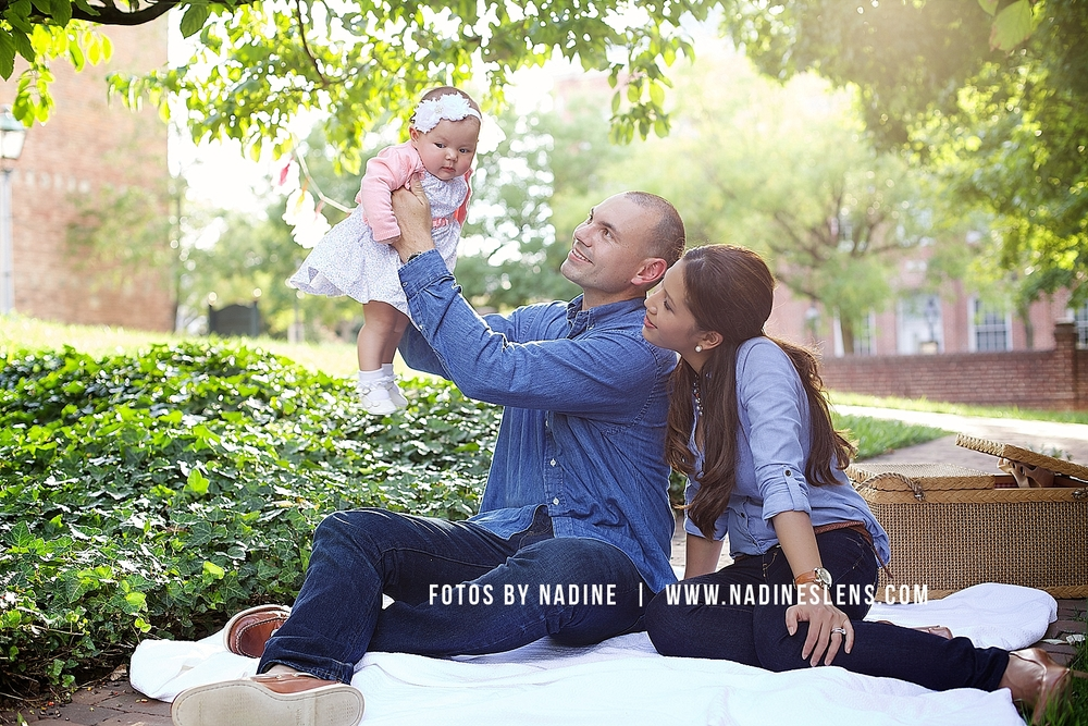gorgeous candid family portrait by fotos by nadine