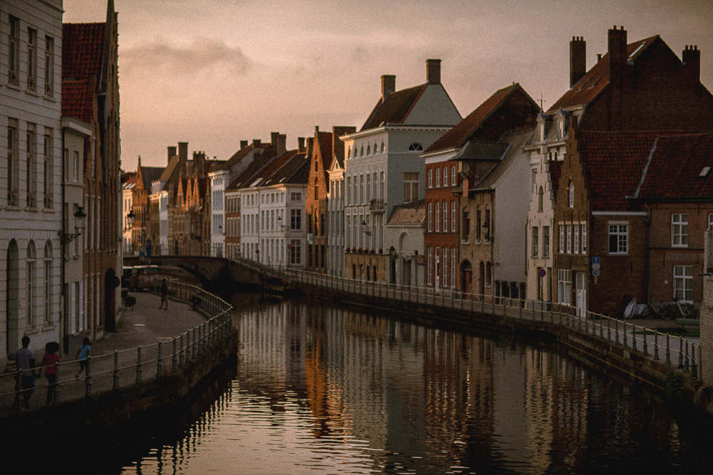 Brugges-sunset-canal
