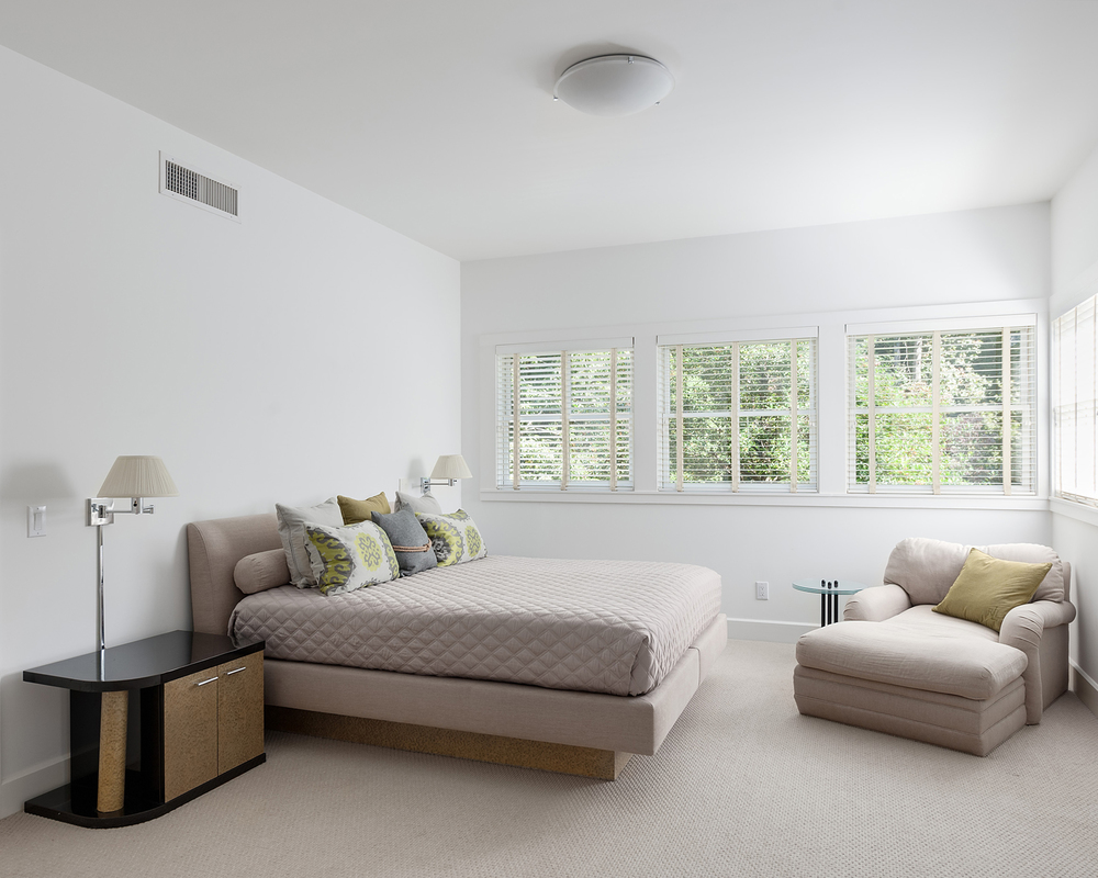 Guest Bedroom - WestPacesFerryNW.jpg