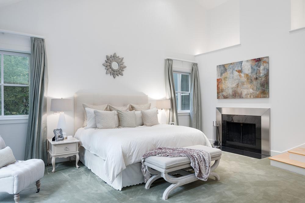 Master Bedroom - WestPacesFerryNW.jpg