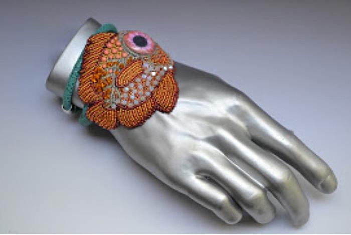 short-big-eye-bracelet-3.jpg