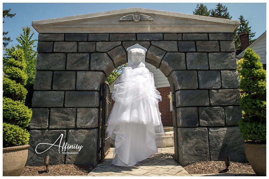 01-wedding-dress-arch.jpg