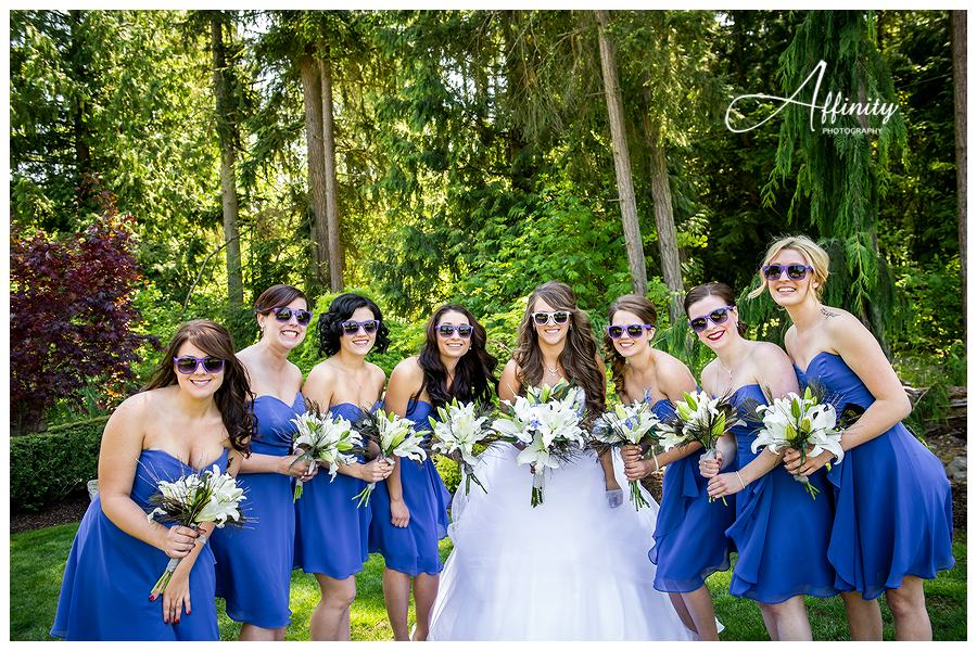 19-bride-bridesmaids-glasses.jpg