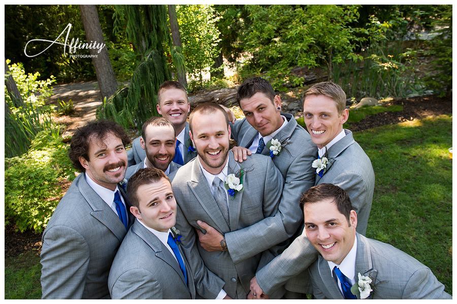20-groom-groomsmen.jpg