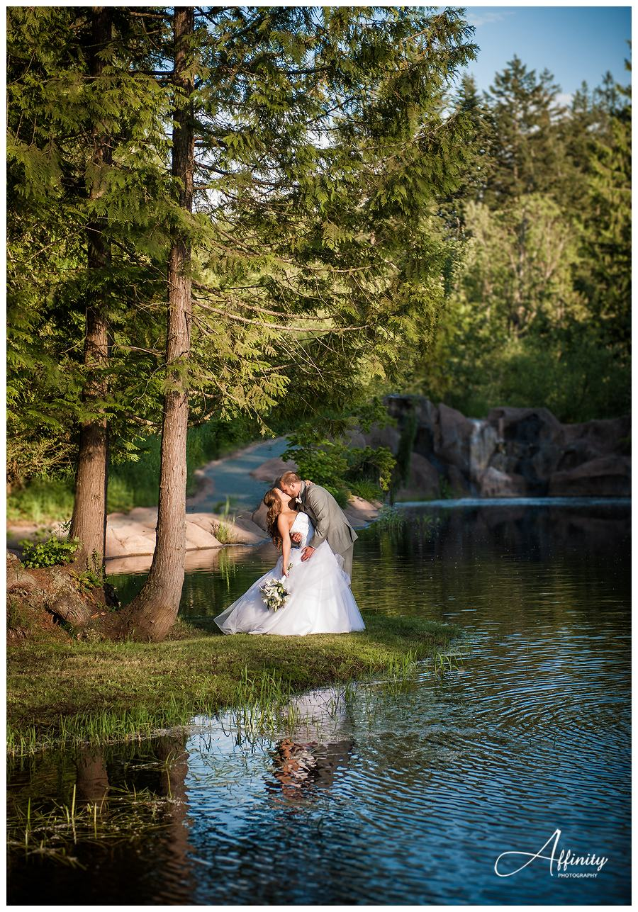 40-rock-creek-gardens-bride-groom.jpg