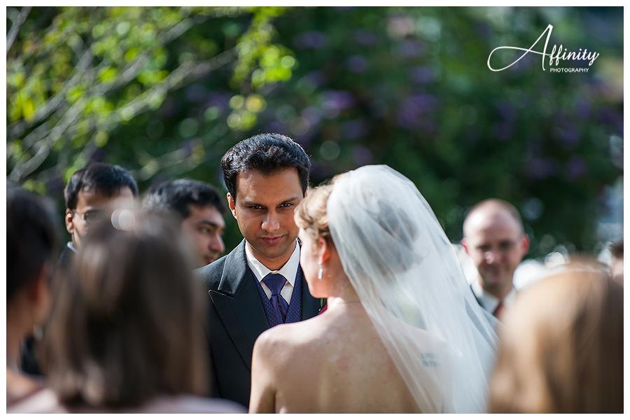 13-groom-looks-into-brides-eyes.jpg