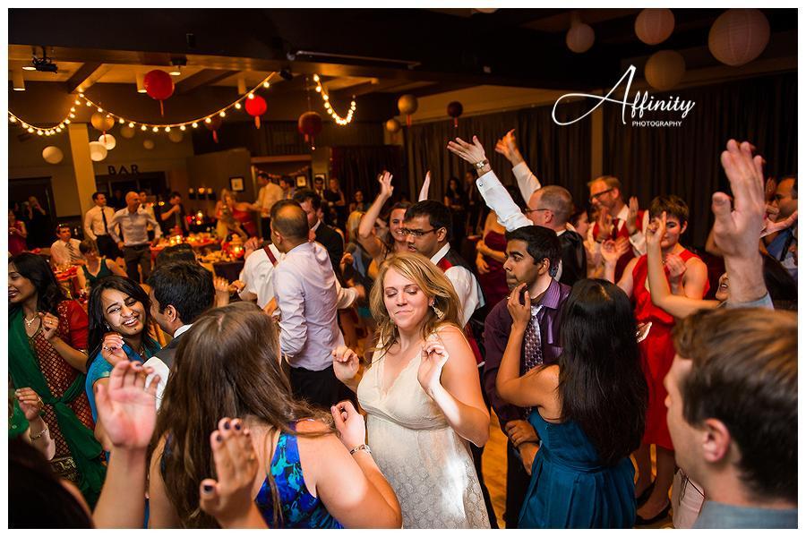34-guests-dancing-wedding-reception.jpg