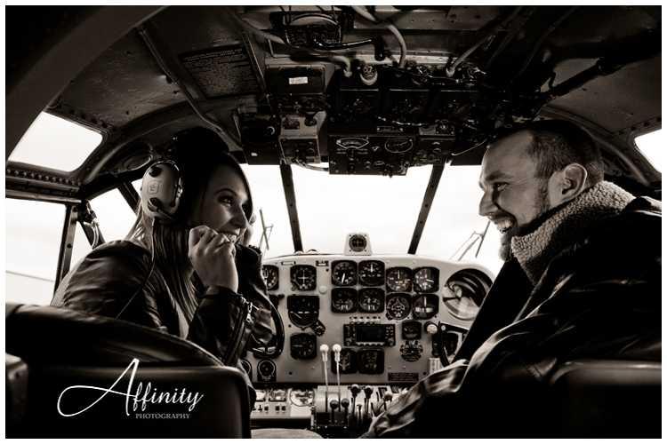 11-laughing-pilots-cockpit.jpg