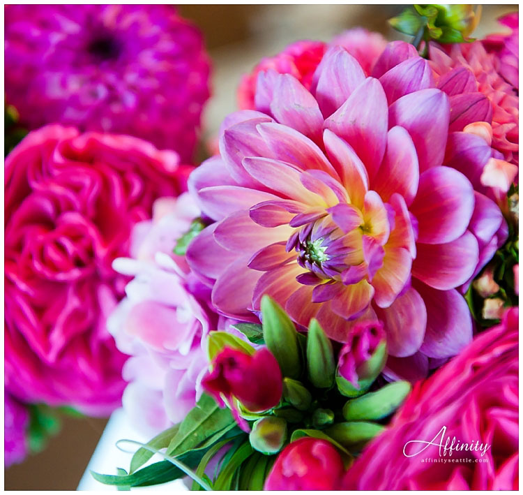 004-wedding-flowers-dahlias.jpg