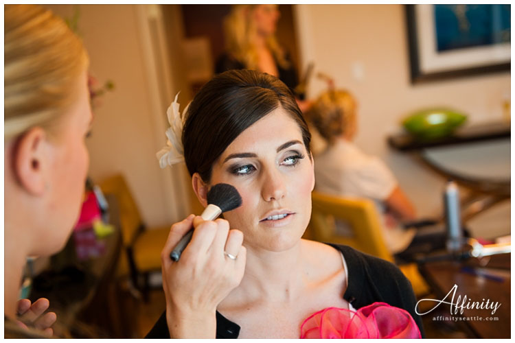 009-bride-makeup-in-the-morning.jpg