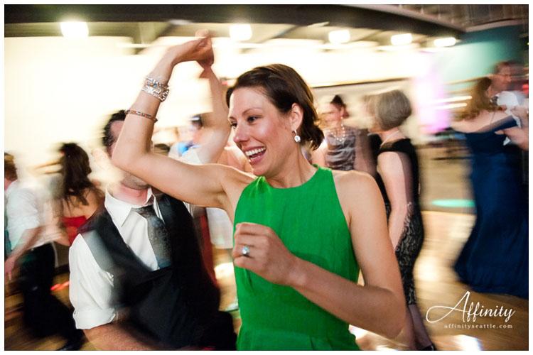 043-guests-dancing-blur.jpg