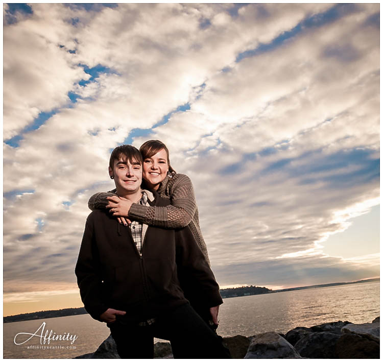 011-engagements-waterfront-seattle.jpg