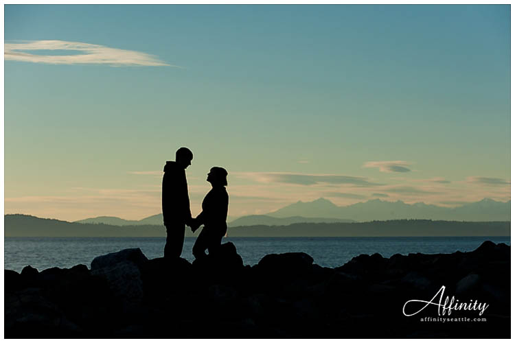 012-silhouette-engagements.jpg