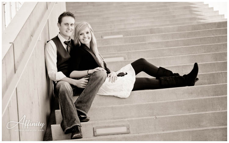 011-portraits-stairs-seattle-engagements.jpg