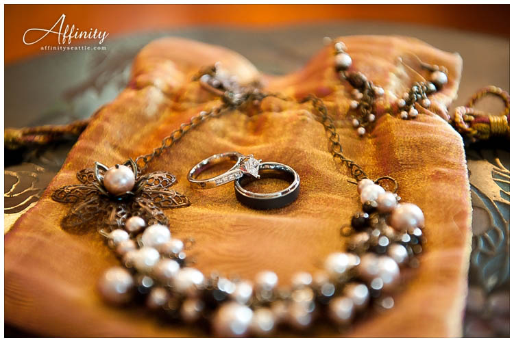 004-wedding-jewelry.jpg