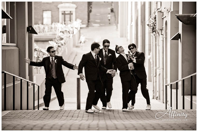 058-groomsmen-reservoir-dogs-punch.jpg