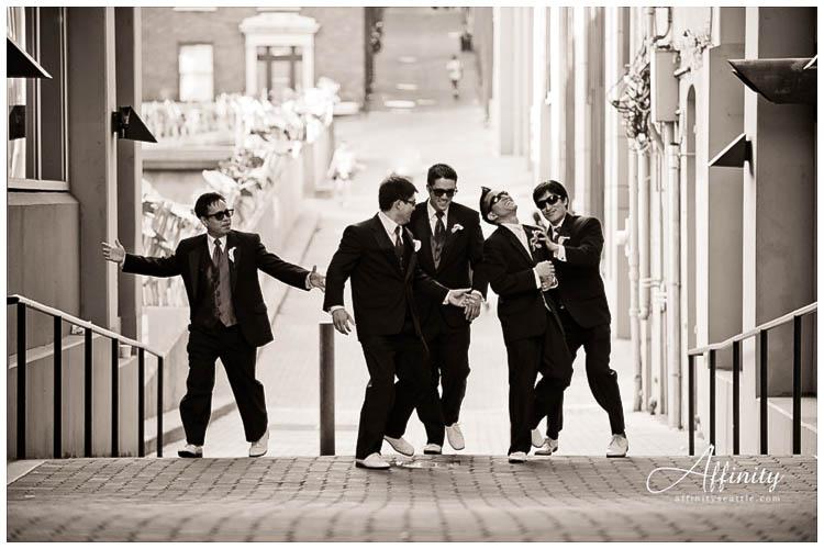 058-groomsmen-reservoir-dogs-punch.jpg