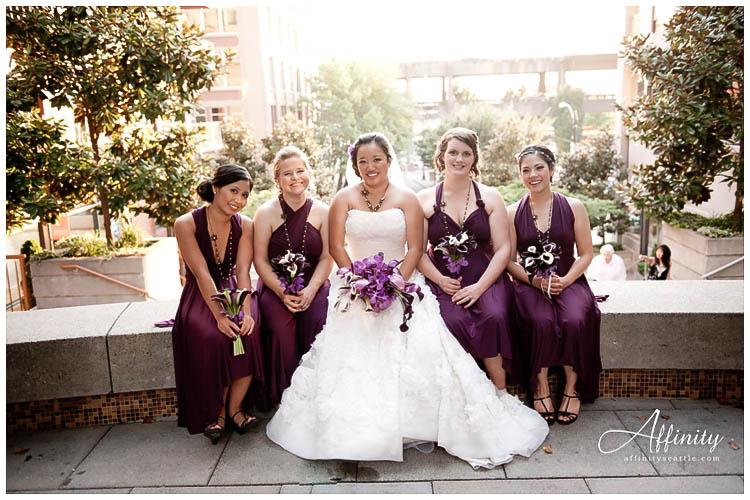 060-bride-with-bridesmaids.jpg