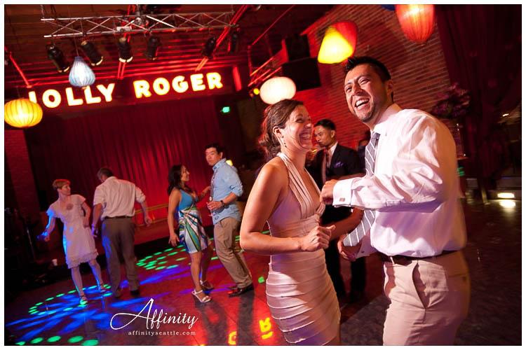 077-georgetown-ballroom-wedding-reception-guests-dance.jpg