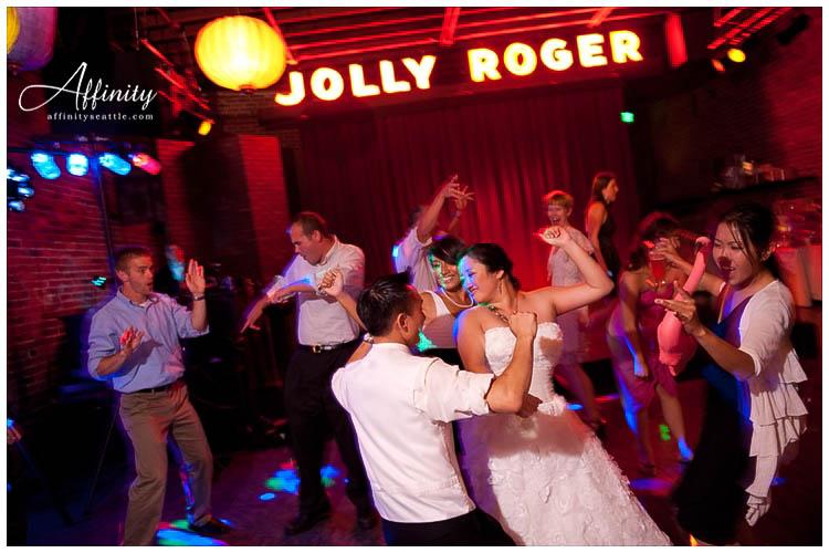 078-georgetown-ballroom-bride-groom-dance.jpg