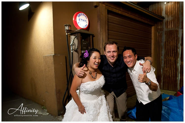 082-bride-groom-with-sean-hoyt-affinity-photography-seattle-clients.jpg