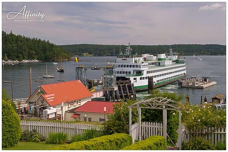 001-orcas-island-ferry-arriving.jpg