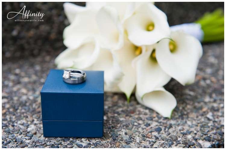 001-wedding-rings-flowers.jpg