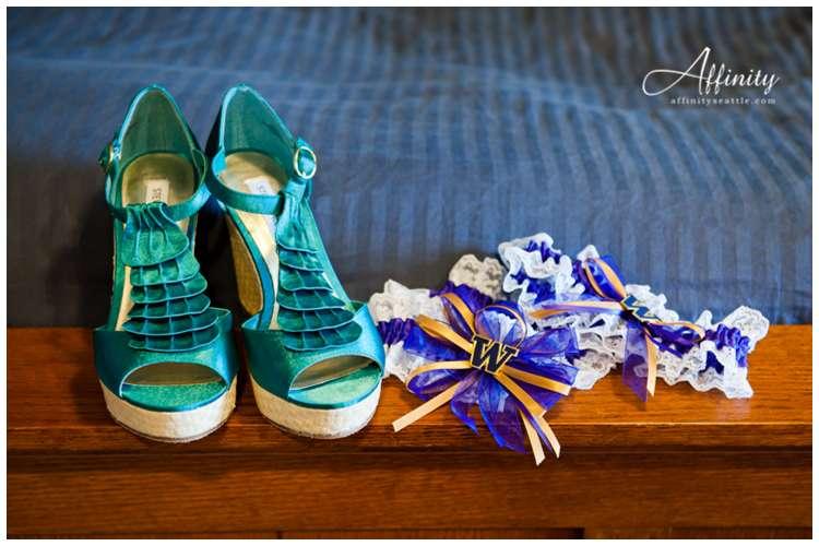 004-shoes-garter.jpg