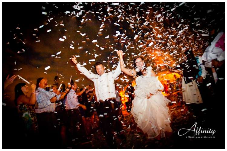 066-confetti-wedding-departure-reception.jpg