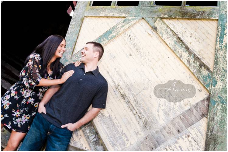 02-closeup-barn-doors-smiling.jpg