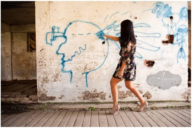 07-woman-graffiti-wall.jpg