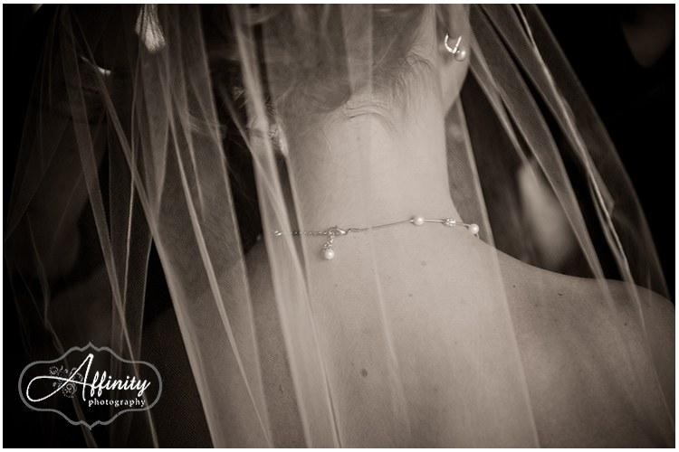 4-bride-jewelry.jpg