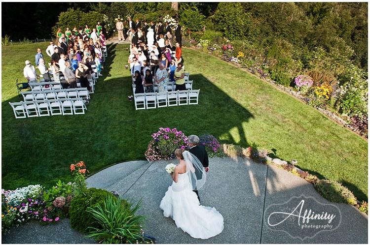 8-bride-enters-wild-rose-wedding-ceremony.jpg