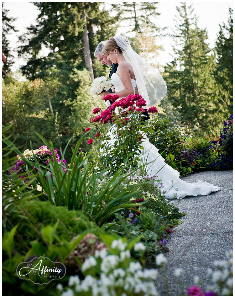 9-bride-father-walk-ceremony.jpg