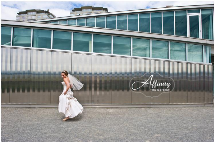 07-Bride-walks-past-metal-seattle.jpg