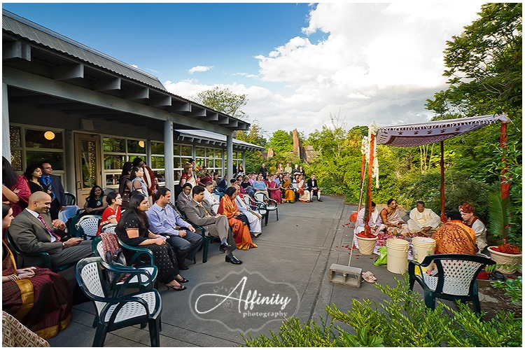 05-indian-wedding-ceremony-woodland-park-zoo.jpg