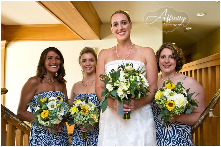 9-bride-bridesmaids-stairs.jpg