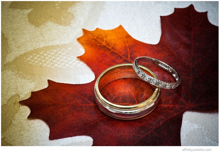 5-wedding-rings-maple-leaf.jpg