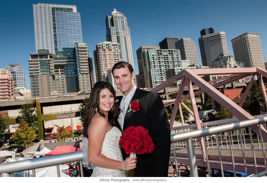 bride-groom-seattle-in-background.jpg