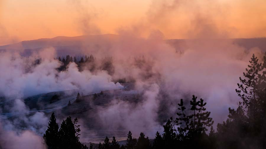 norris-geyser-steam.jpg