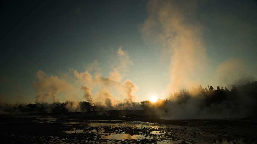 norris-geyser-basin-sunrise.jpg