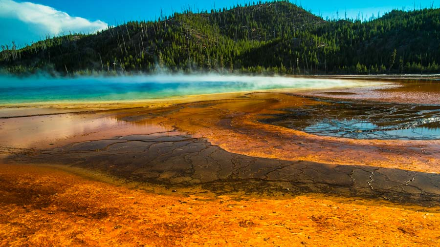 grand-prismatic-spring-yellowstone.jpg
