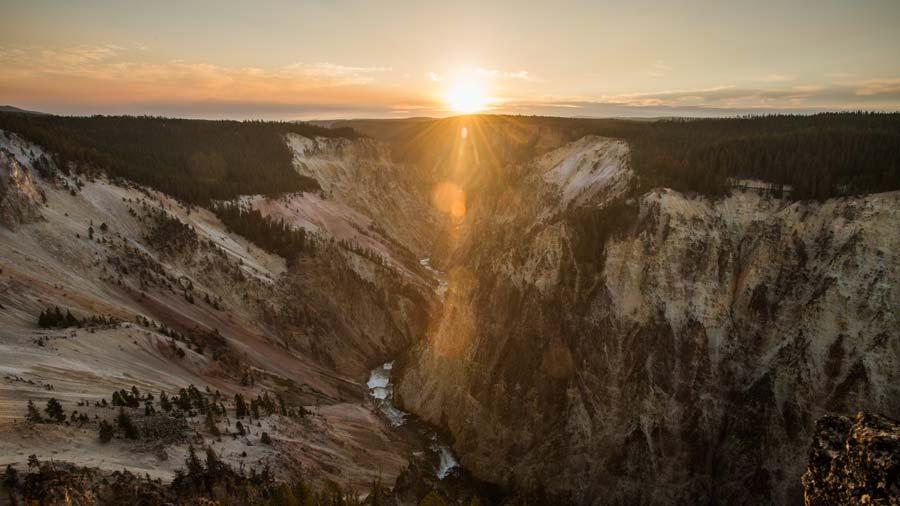 yellowstone-sunrise-grand-canyon.jpg