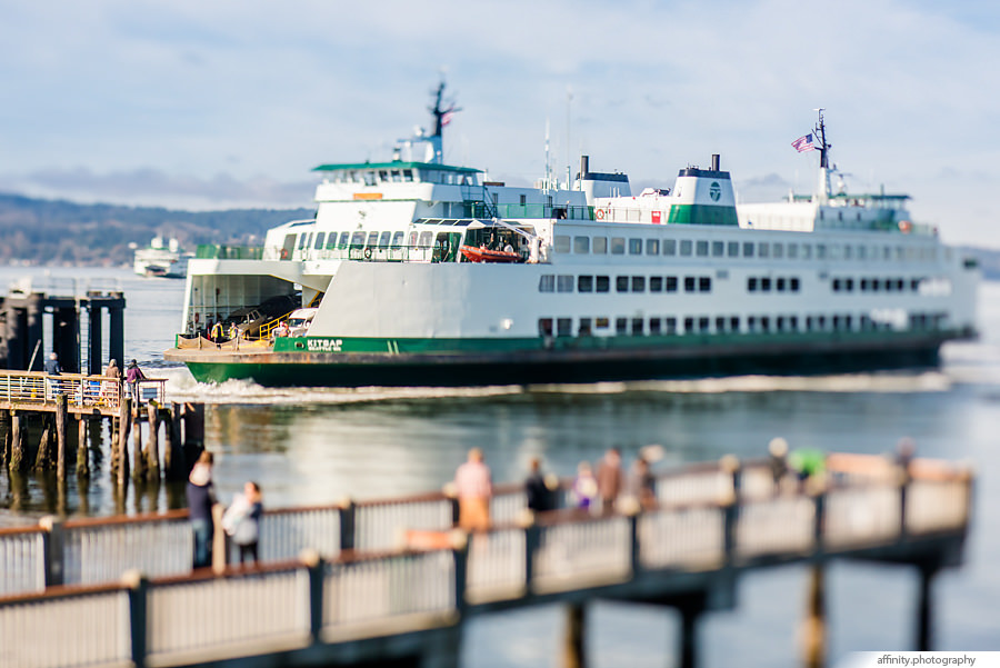 Ferry Boat arrives in Mukilteo