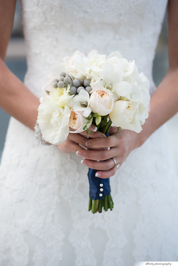11-bride-bridal-bouquet-flowers.jpg