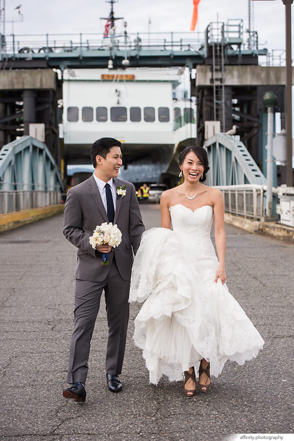 19-bride-groom-ferry-boat.jpg